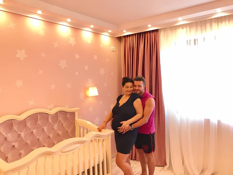 Primele fotografii cu Gabriela Cristea si fetita ei. Iata ce nume i-au ales!
