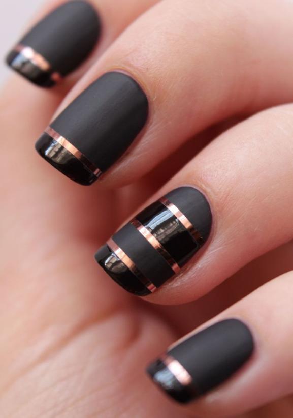manichiura neagra eleganta