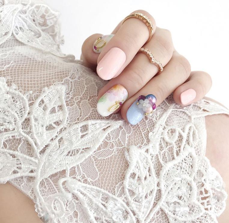 manichiura simpla si eleganta pentru nunta