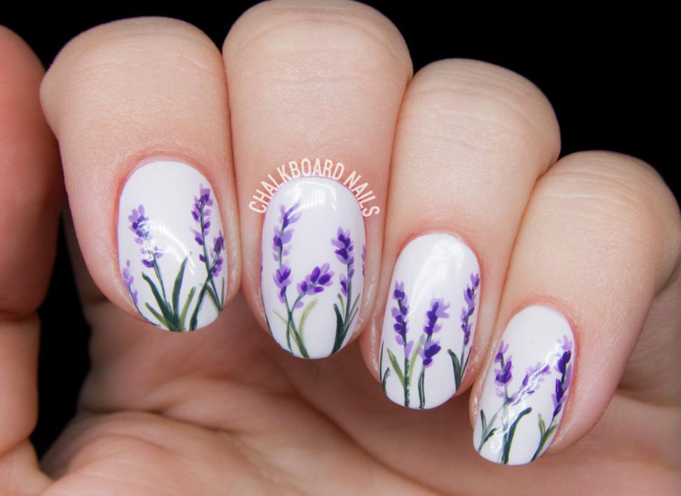 model unghii cu flori mov