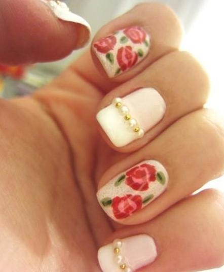 unghii cu flori si margele