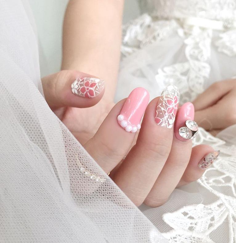 unghii cu gel roz pentru mirese