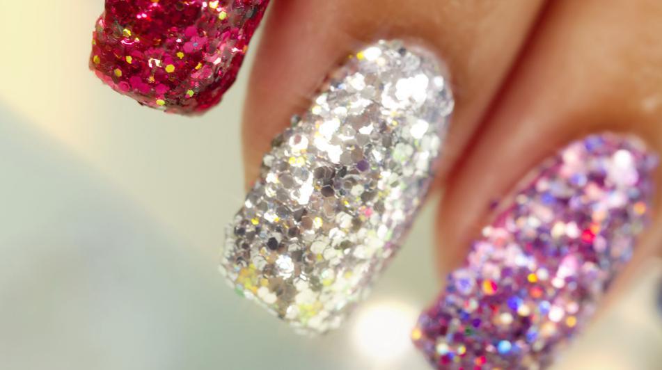 unghii cu paiete