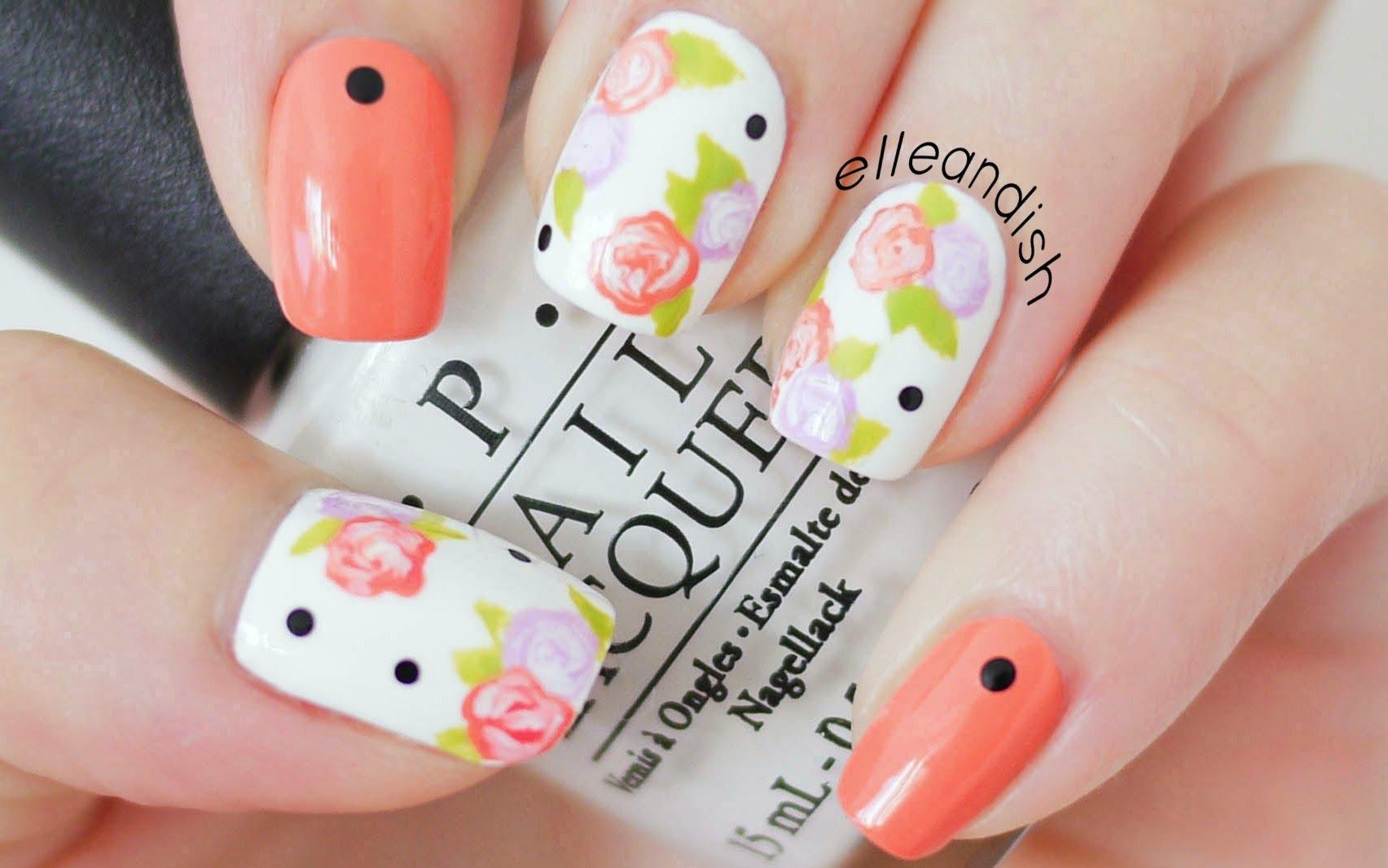unghii portocalii cu flori