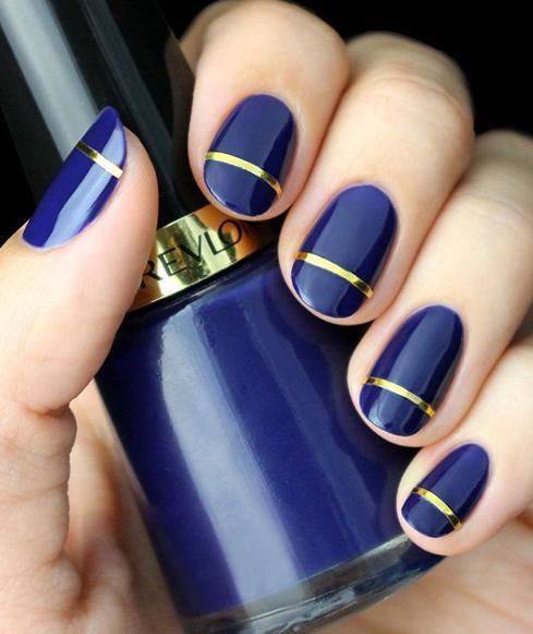unghii rotunde albastre