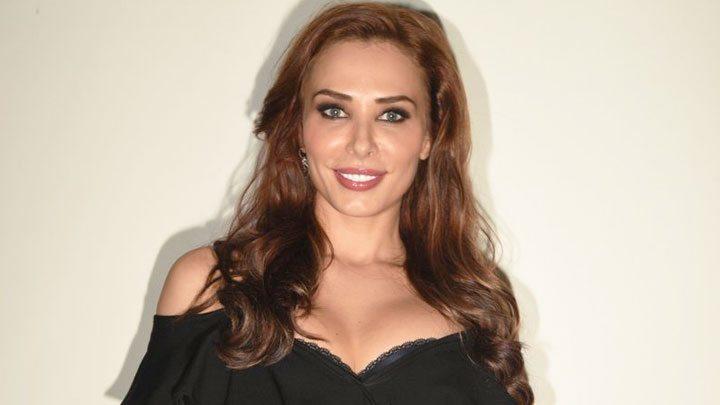 Because-Of-Salman-Khan-I-Met-India-Iulia-Vantur-video