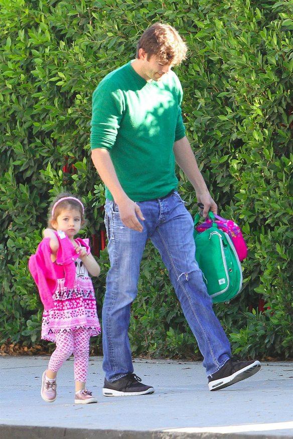 Iată primele imagini cu fetița Milei Kunis și a lui Ashton Kutcher