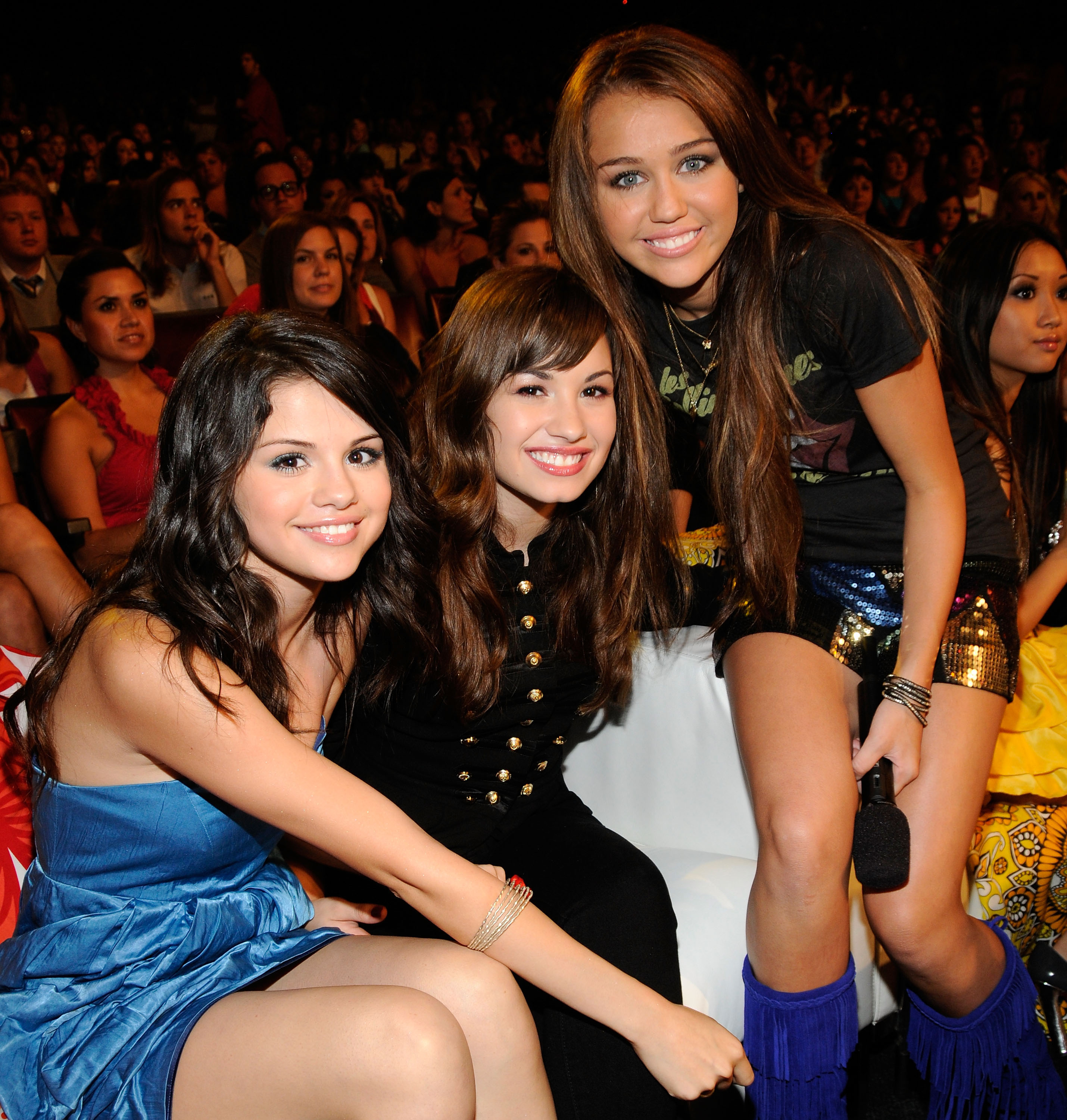 (EXCLUSIVE, Premium Rates Apply) LOS ANGELES, CA - AUGUST 03: ***EXCLUSIVE*** Actress Selena Gomez, singer Demi Lovato and host Miley Cyrus during the 2008 Teen Choice Awards at Gibson Amphitheater on August 3, 2008 in Los Angeles, California. (Photo by K Mazur/TCA 2008/WireImage)