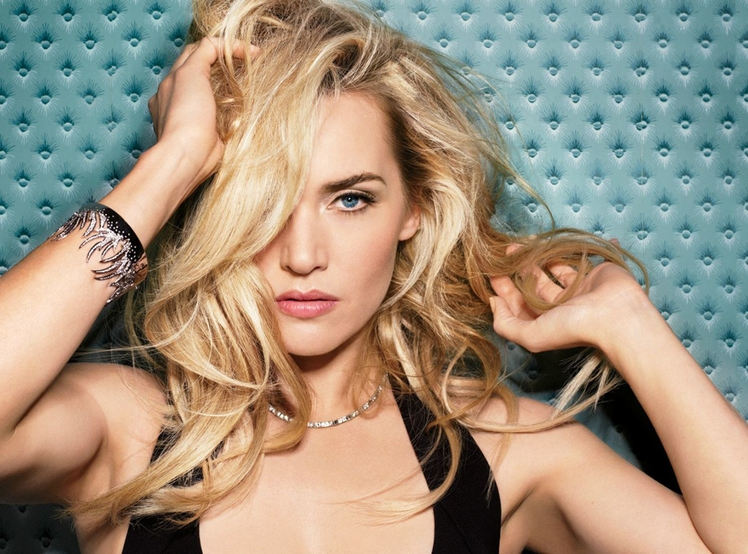 beauty-2015-10-kate-winslet-40-birthday-main
