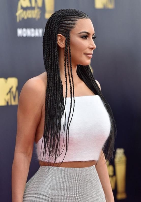 coafura impletita Kim Kardashian