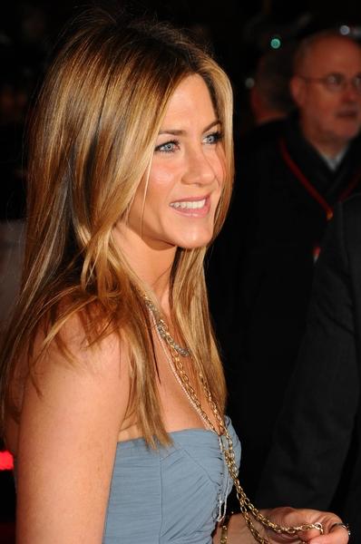 """03/02/2009 - Jennifer Aniston - """"Marley & Me"""" UK Premiere - Arrivals - Vue West End Leicester Square - London, UK - Keywords: - False - - Photo Credit: Solarpix / PR Photos - Contact (1-866-551-7827)"""