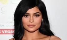 Kylie Jenner cheltuie o mulțime de bani pe haine de bebeluș