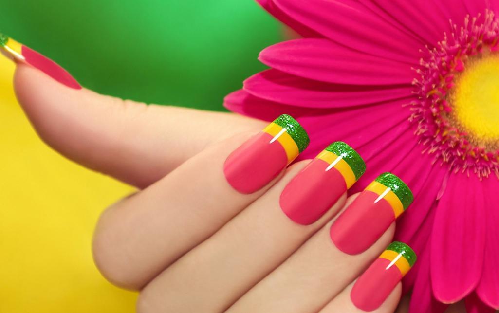 unghii gel colorate