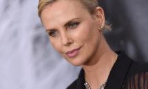Actrița Charlize Theron a vorbit despre noaptea în care mama ei i-a ucis tatăl