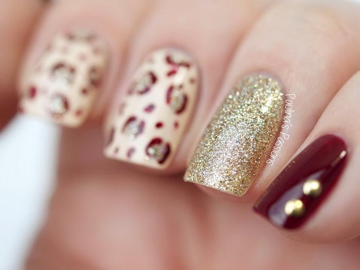 unghii rosii cu auriu