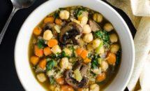 Supa de quinoa cu naut si ciuperci