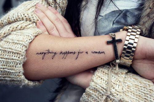 tatuaje pe mana fete