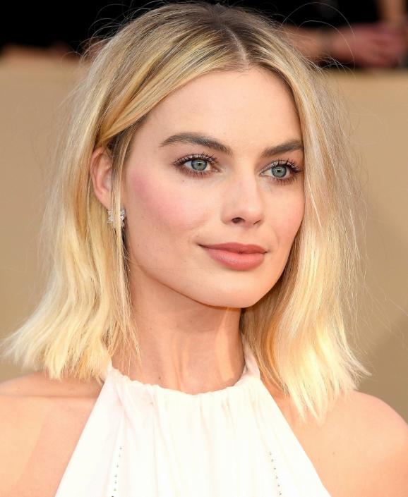 Coafuri-par-mediu-Margot-Robbie