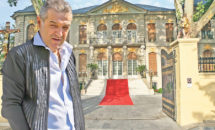 Imagini inedite cu locuinta lui Gigi Becali. Casa arata ca un muzeu!