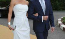 Era si timpul - Carmen Bruma a imbracat mult asteptata rochie de mireasa! Iata cat de frumoasa a fost!