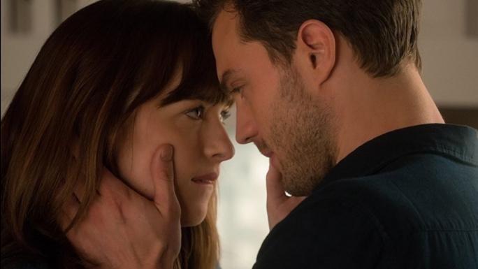 """Sfatul ginecologului: NU pune in practica aceasta scena din """"50 de umbre ale lui Grey""""! Este periculos!"""