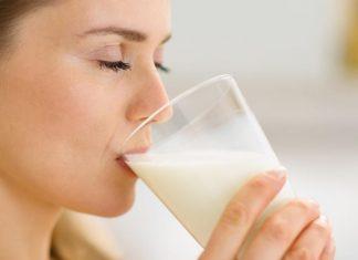 Iata ce ar trebui sa bei in fiecare zi: Lapte sau Apa?