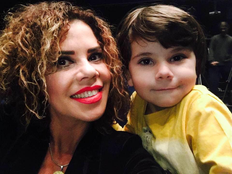 Luminita Anghel si-a facut tatuaj cu chipul fiului ei