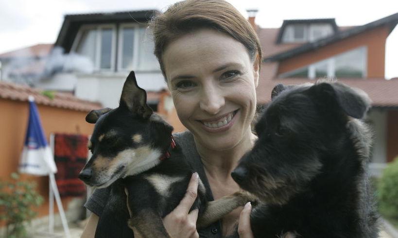 Monica Davidescu a facut o marturisire emotionanta. Catelusa ei a ajutat-o sa ramana insarcinata!