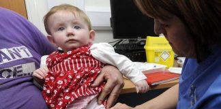 O femeie din Marea Britanie a fost obligata de tribunal sa-si vaccineze copiii
