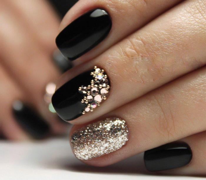 unghii elegante pentru iarna cu auriu
