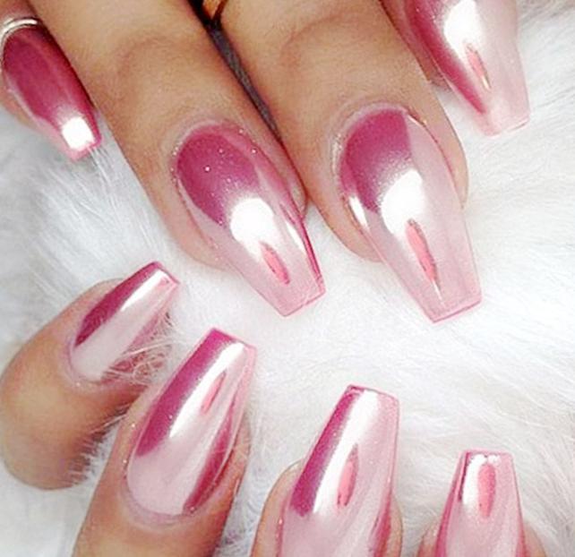 unghii roz gold 2020