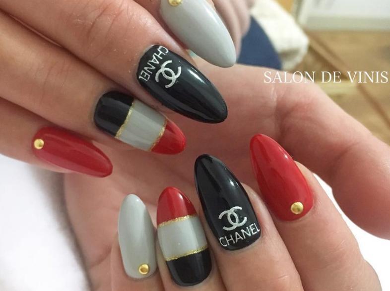 manichiura Chanel