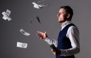 Cum isi cheltuie zodiile banii