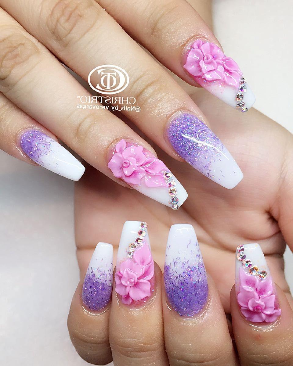 manichiura cu gel cu flori