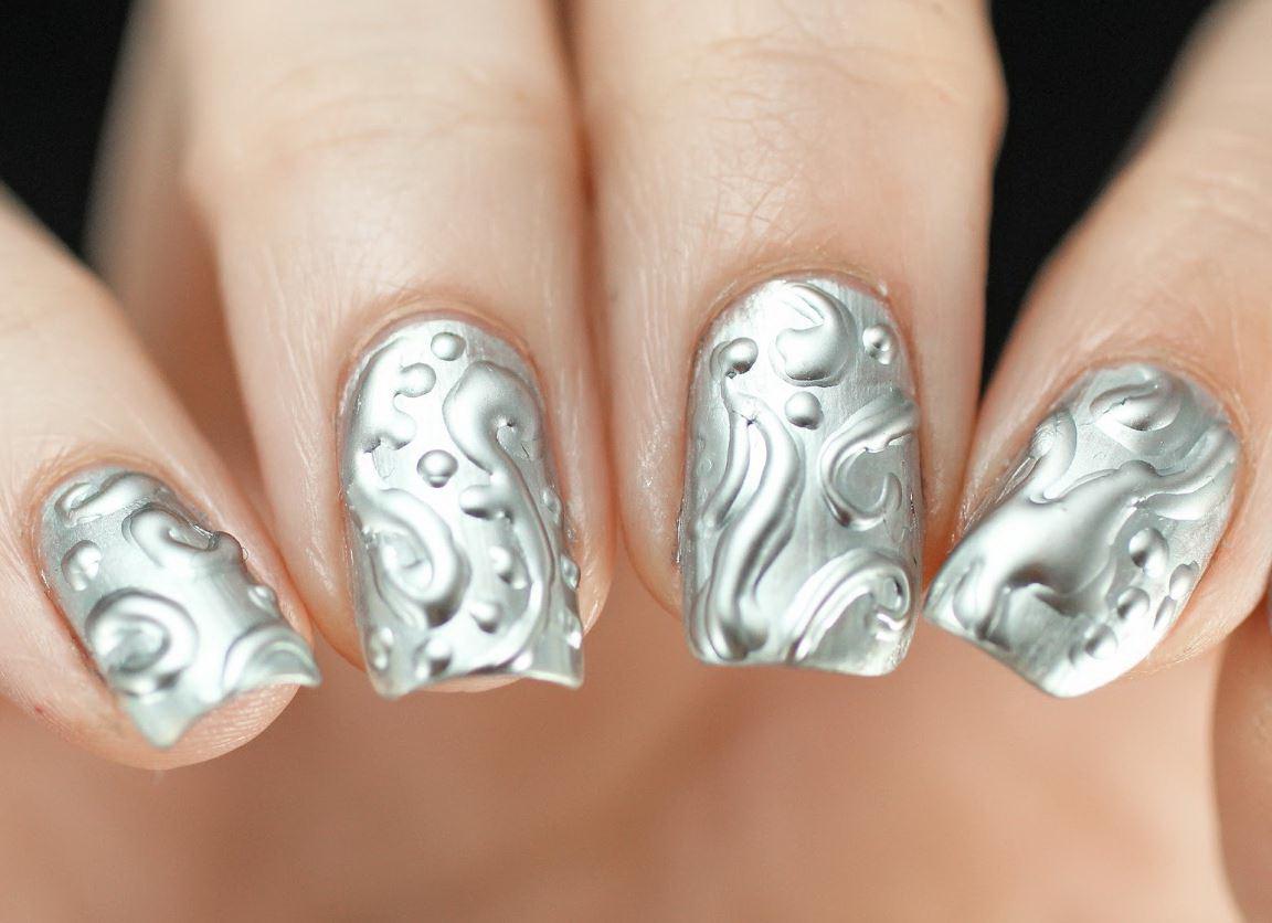 unghii argintii 3D cu gel