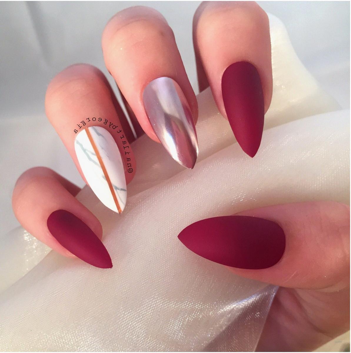 unghii-ascutite-rosii