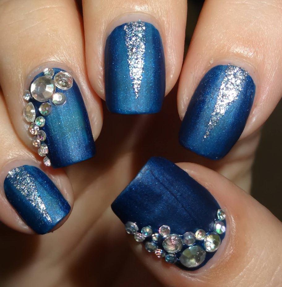 unghii cu gel albastre