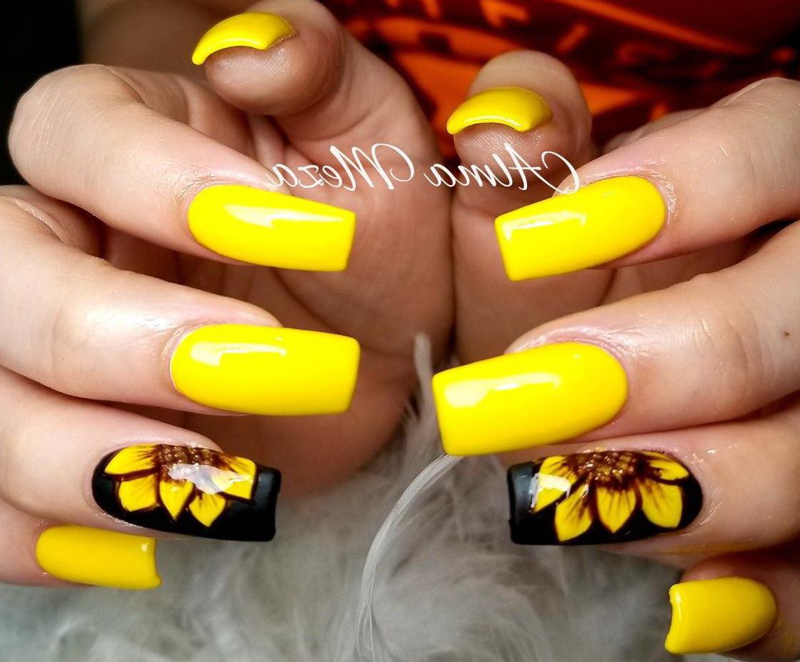 unghii galbene cu gel cu flori