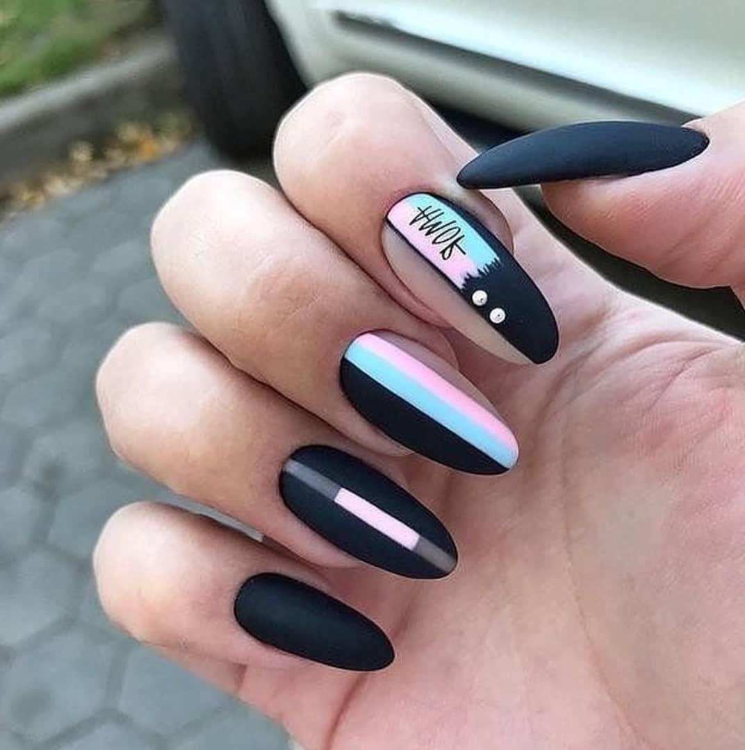unghii negre cu gel cu model