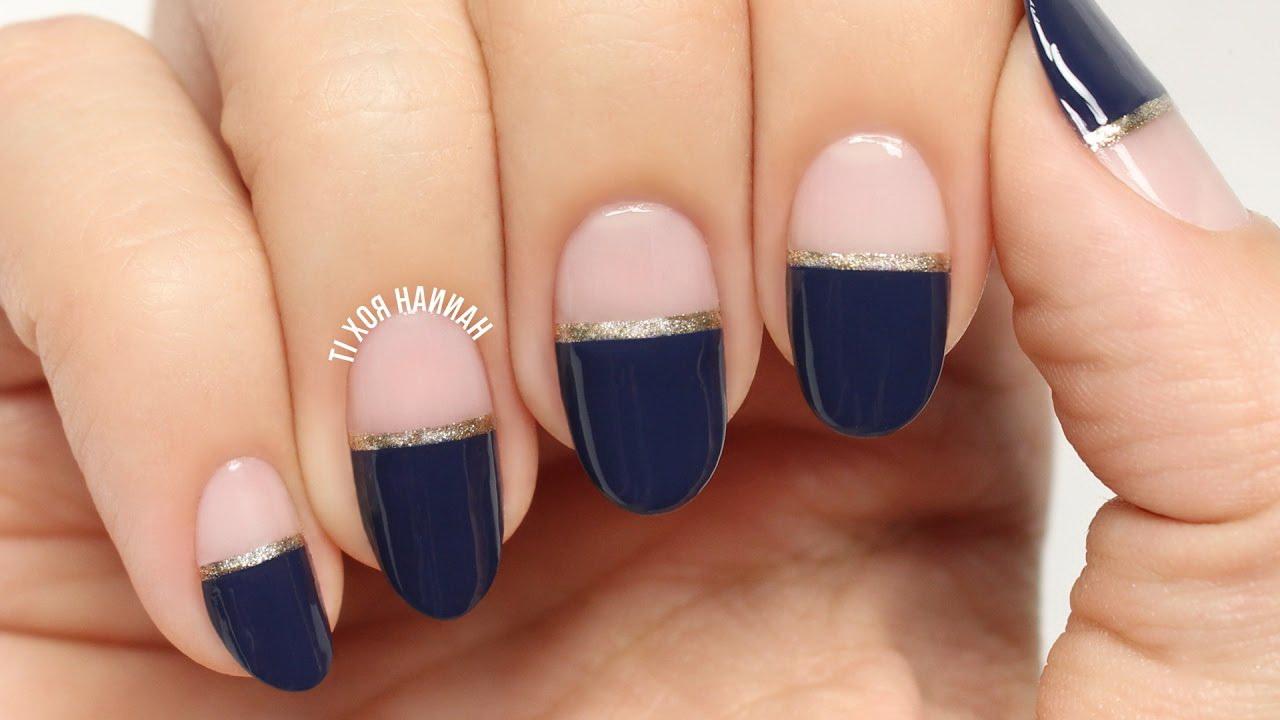 unghii nude cu albastru