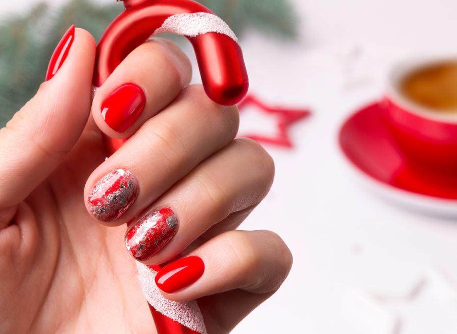 unghii rosii de craciun