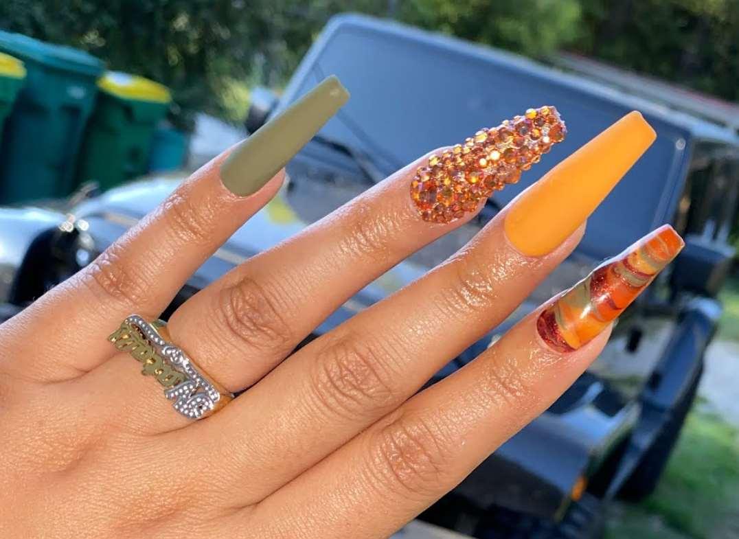 unghii de toamna cu sclipici