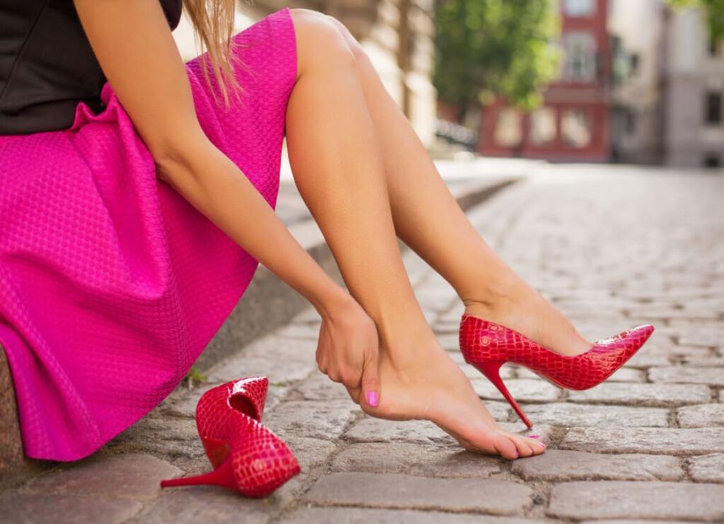 Stiai ca daca porti pantofi cu toc, capacitatea de concentrare scade? Afla si alte noutati daca iti place sa fii pe tocuri!